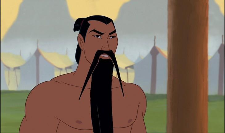Zhang Mulan de la película Mulan con bigote y barba