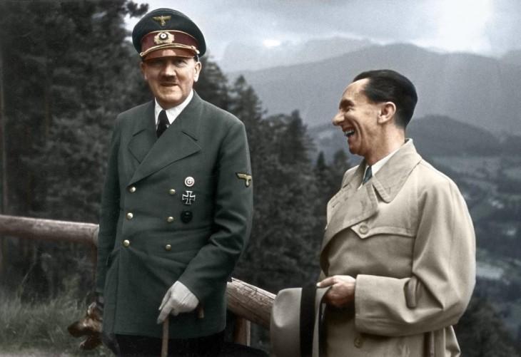 Adolf Hitler y Joseph Goebbels, Líderes Nazis.1943