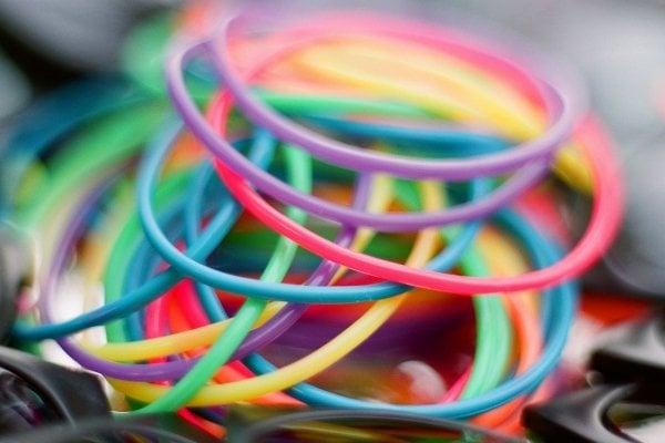 pulseras de goma utilizadas en llos noventa por los niños