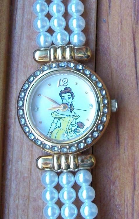 Reloj de Perlas de La Bella y la Bestia