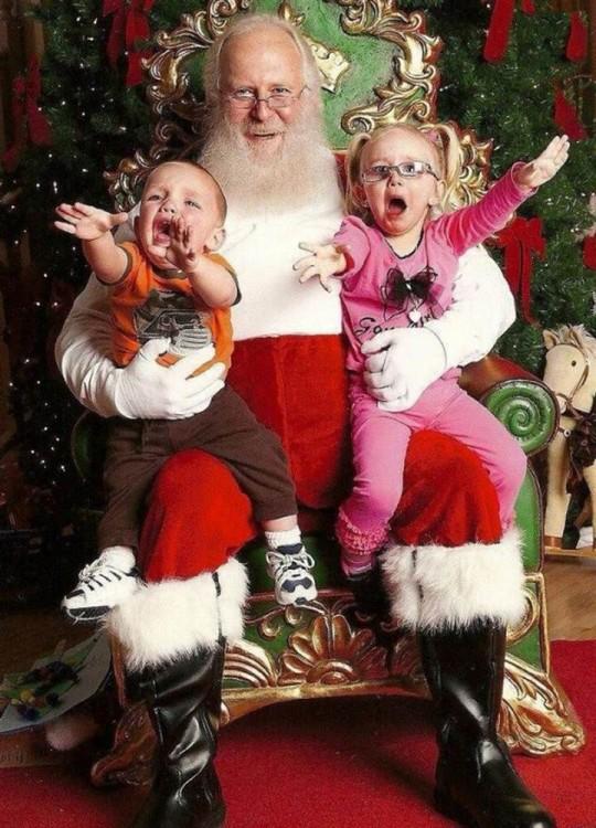 niños que no querian la foto con santa claus