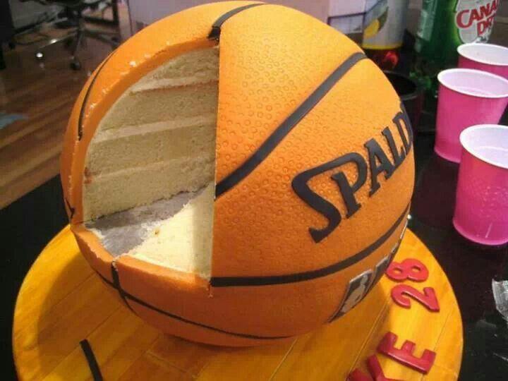 pastel en forma de pelota spalding