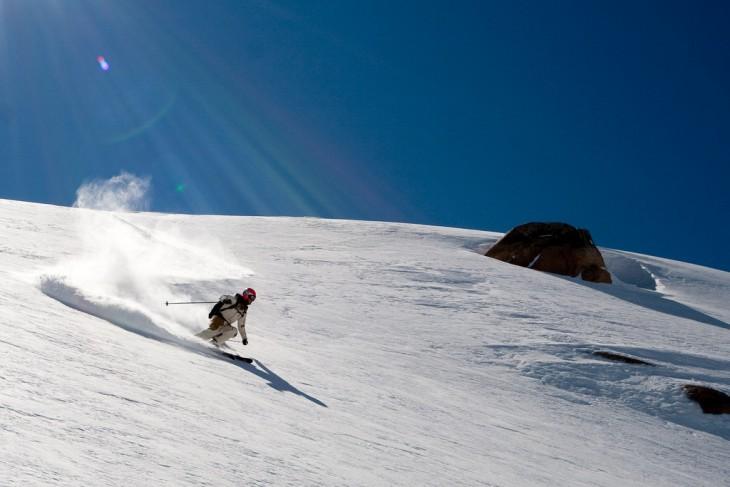 Snowboarding en el Cerro Catedral en San Carlos de Bariloche, Argentina