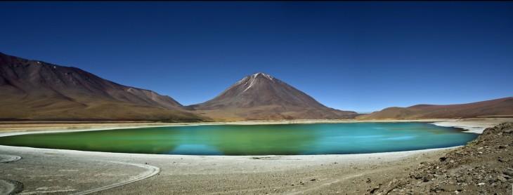 Laguna Verde en la cordillera Lípez, Bolivia
