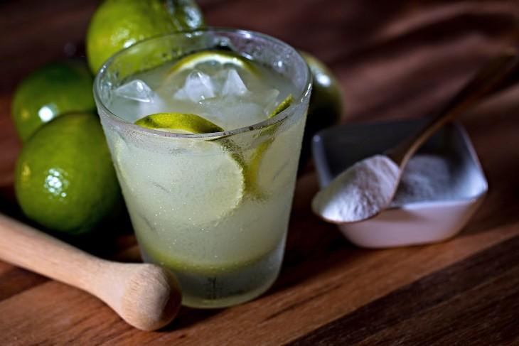 Caipirinha, bebida alcohólica típica de Brasil