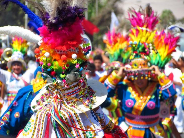 Carnaval con la fuerza del sol en Río de Janeiro, Brasil