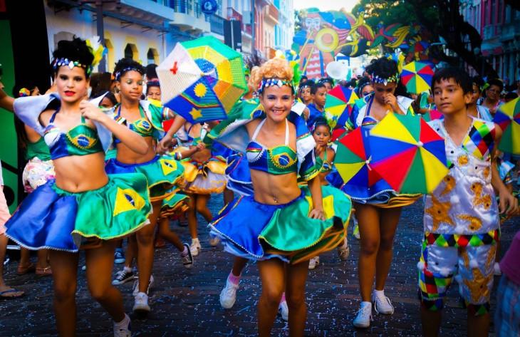 Carnaval Recife es uno de los carnavales más divertidos que se celebra en la playa Boa Viagem, Brasil