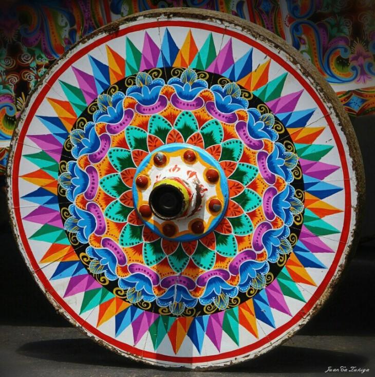 Carreta Típica de Colores en la Feria del Clima Atenas 2015, Desfile de Boyeros. Atenas, Costa Rica