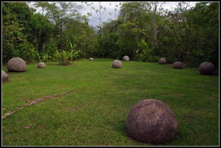 """Sitio Arqueológico """"Esferas de Piedra"""" en Palmar Sur, Puntarenas"""