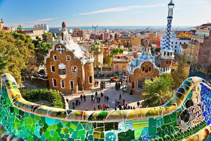 Parque Güell en la ciudad de Barcelona, España