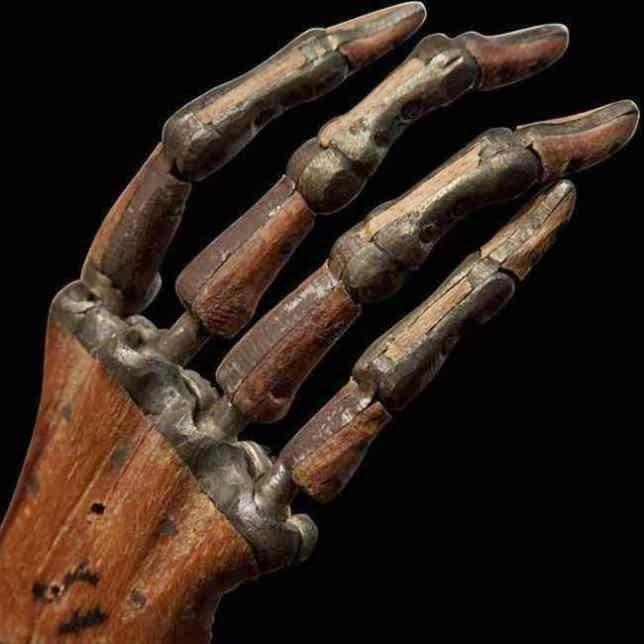 protesis de mano 1890