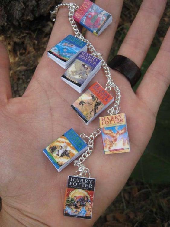 Pulsera con libros en miniatura de Harry Potter