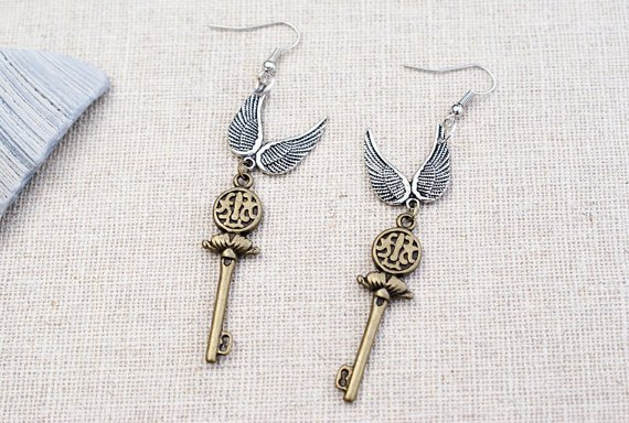 "Aretes de llaves voladoras ""Harry Potter"""
