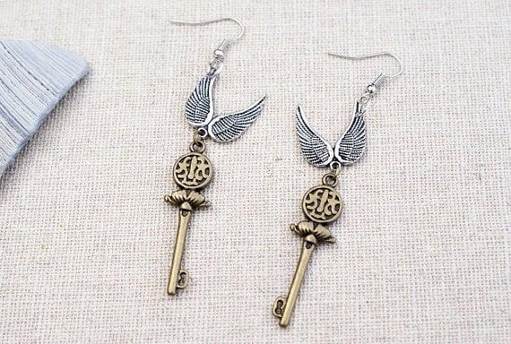 "Aretes de llaves voladoras ""Harry Potter"""