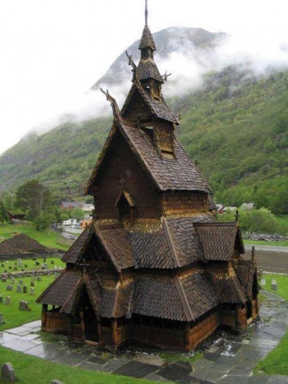 Iglesia del bastón Borgund en Noruega
