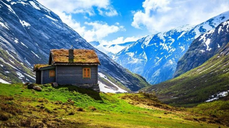 Cabaña entre la montaña, Noruega