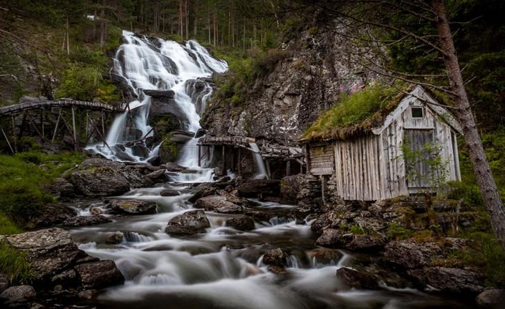 Cascada Kvednafossen, Noruega
