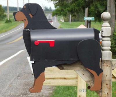Buzón con forma de perro Rod Wheeler