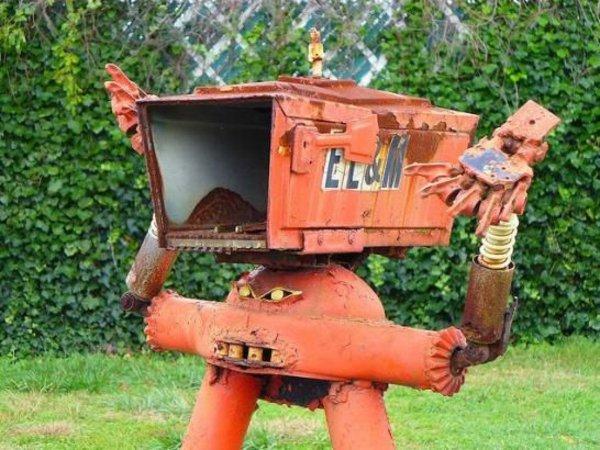 Buzón en forma de robot