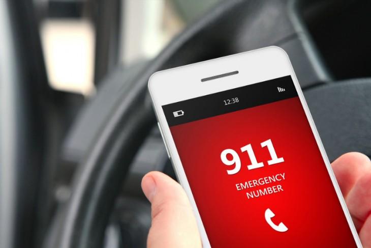 Celular realizando una llamada al 911
