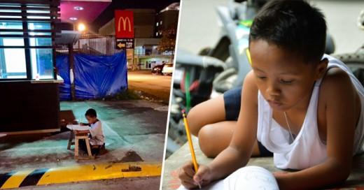 Niño captado estudiando fuera de un Macdonals se comvierte en viral, esta es su historia