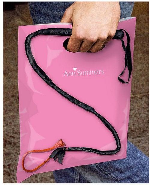 Diseño de las bolsas de la marca Ann Summers