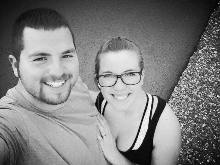 pareja se vuelve a casar tras accidente de auto donde mujer pierde la memoria