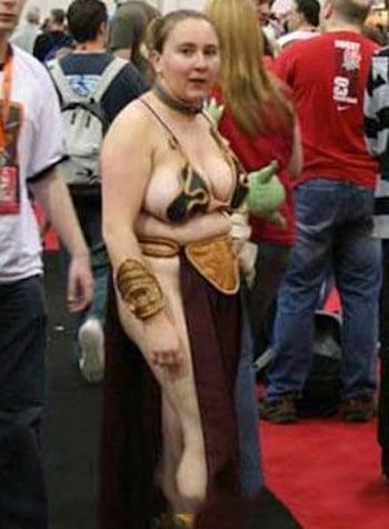 realidad de un cosplay fallido de una mujer