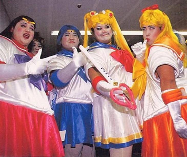 chicos que fallaron al disfrazarse de Sailor Moon