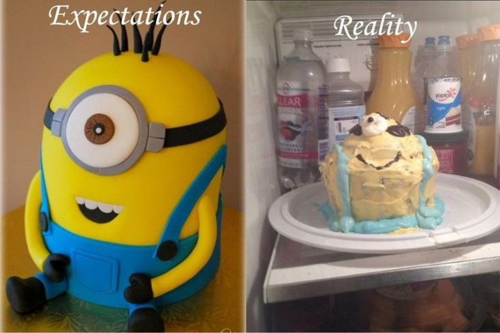 Pastel de minion fuera y dentro de un refrigerador