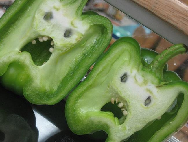 Pimientos con cara de asustados