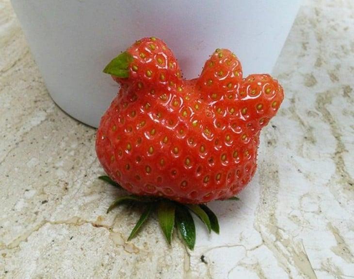 Fresa con figura de gallina