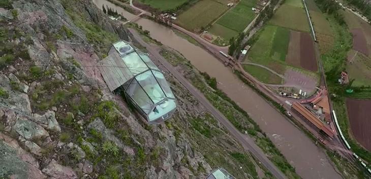 fotografía desde las alturas de un acantilado en Perú
