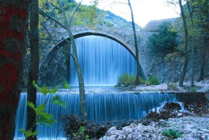 Puente de Palaoiakaria, Grecia