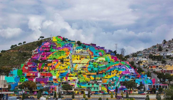 Fotografía del mural pintado en casas de la colonia Palmitas en Pachuca, Hidalgo