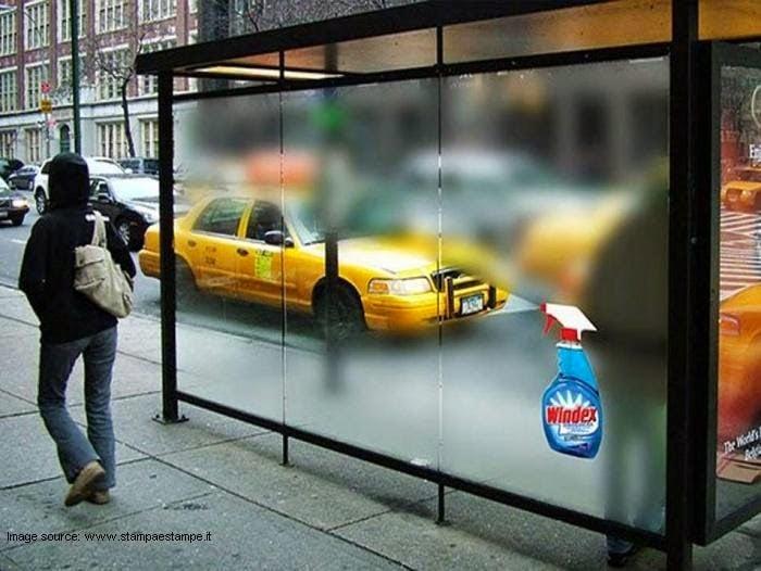 Publicidad de Windez en la parada del autobús