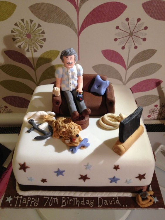 Pastel de un hombre sentando en un sillón