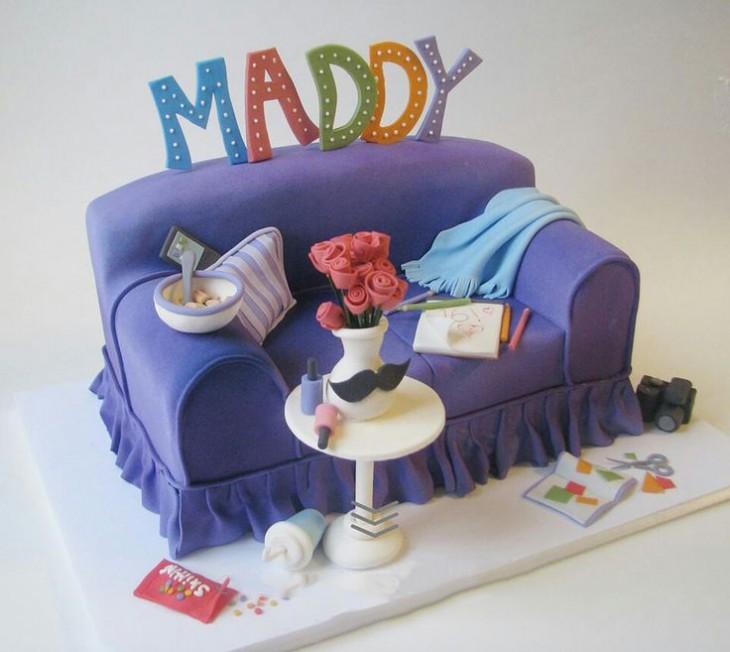 pastel de sillón con la palabra Maddy