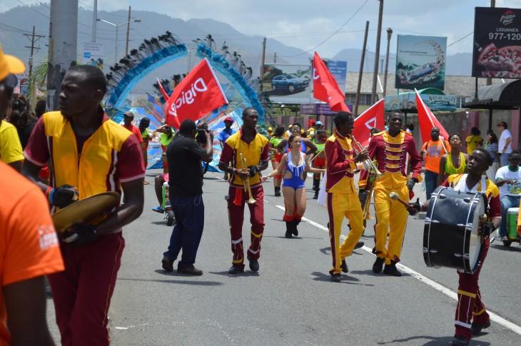 Desfile durante el Carnaval de Jamaica