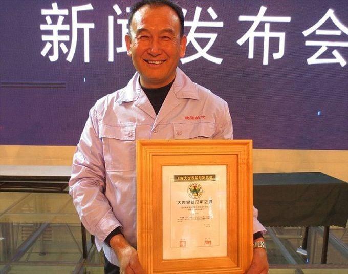 Tío Teng, el taxista en China se toma selfies con sus pasajeros (3)