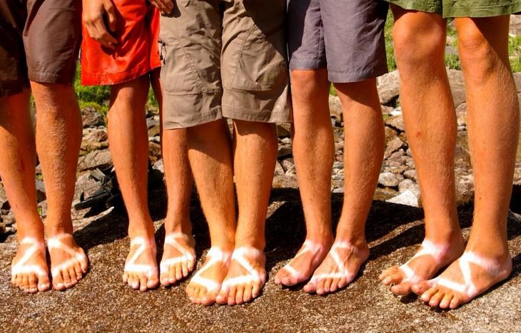 familia trais los mismos zapatos y se les marcaron igual a todos