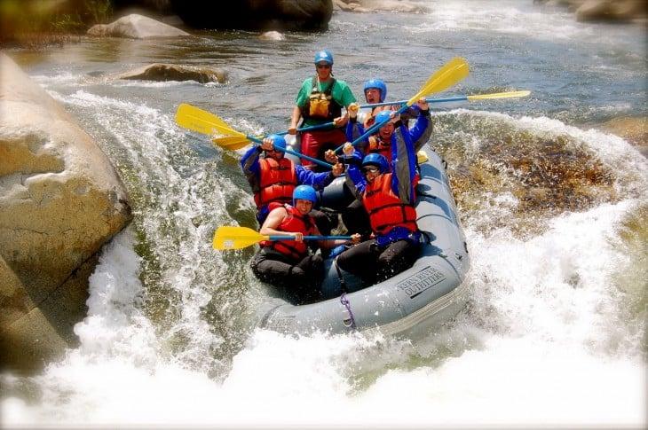 ecoturismo en costa rica rafting