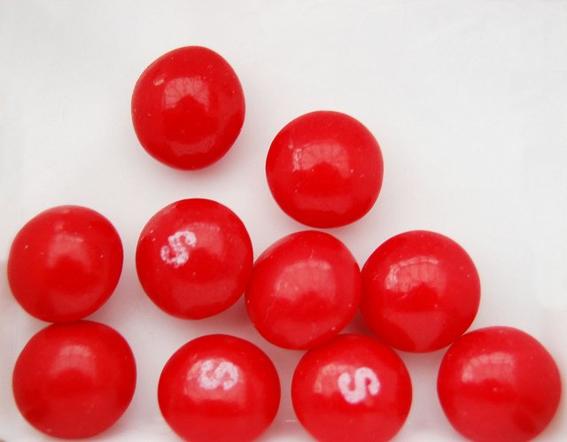 Colorante rojo-carmín para los dulces de bolos
