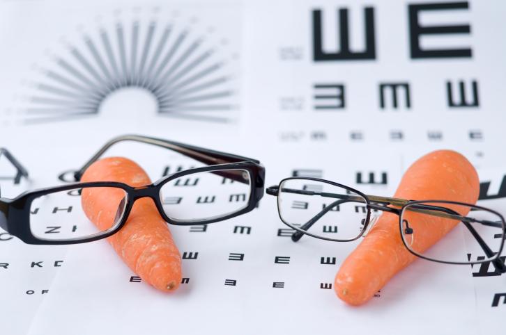 Comer zanahorias no mejorará la agudeza visual de una persona