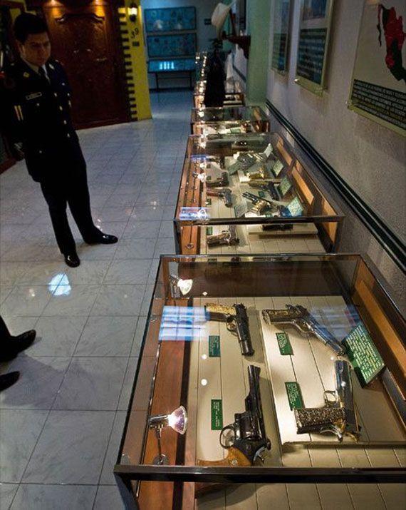 museo de pistolas de los narcos