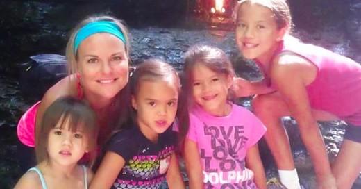 madre adopta niñas de su mejor amiga
