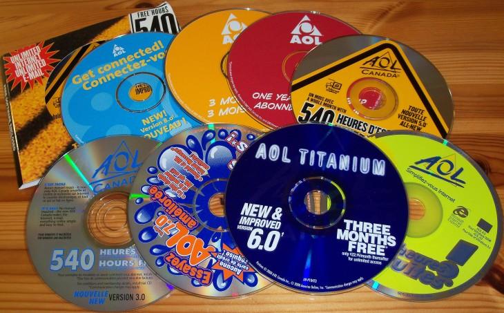discos de aol de los noventas que servian para el internet de esa época