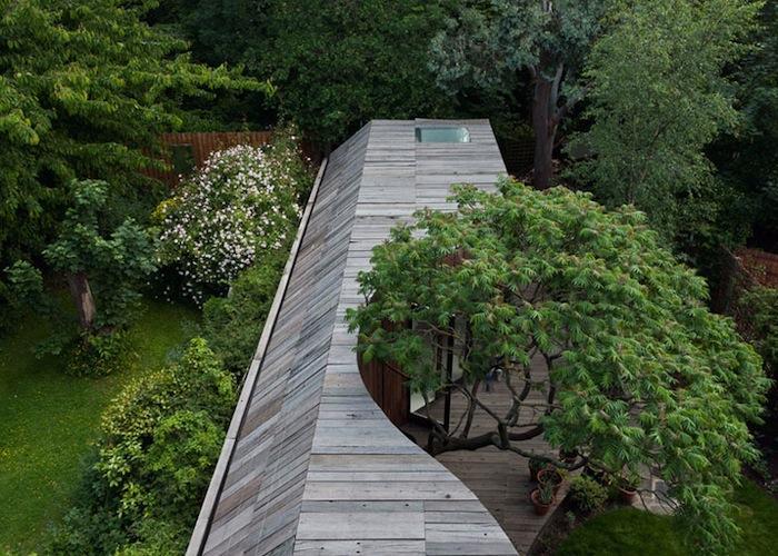 diseño moderno de casa con arboles