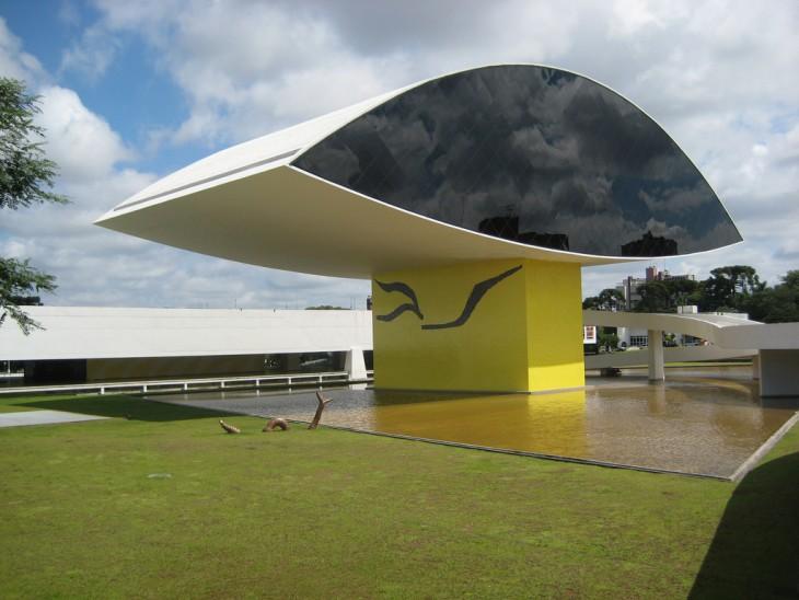 El Museo Oscar Niemeyer en Brasil