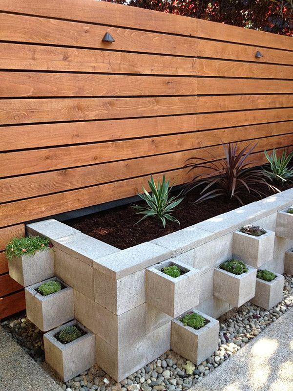 Creativas ideas para adornar tu casa con bloques de cemento for Jardineras modernas exterior